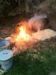 heiße Keramik in den Spänen